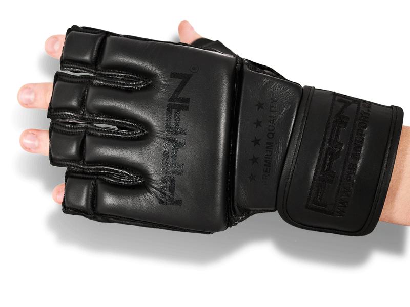 Kvalitní dělená výztuha po celé délce prstů vyjma posledního článku a hřbetu ruky umožňuje pohyb při tréninku.